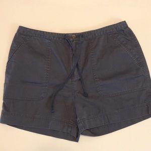 Eddie Bauer size 8 navy shorts